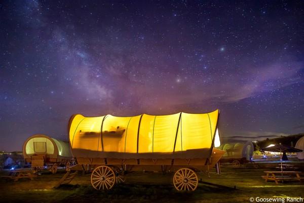 Grand Teton NP, Goosewing Ranch Glamping, by night - rondreis Amerika, opDroomreis.nu