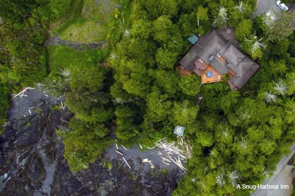 Tofino, A Snug Harbour Inn, aerial, rondreis West-Canada - opDroomreis.nu