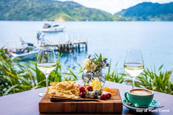 Marlborough Sound, Bay of Many Coves, diner - rondreis Nieuw-Zeeland, opDroomreis.nu